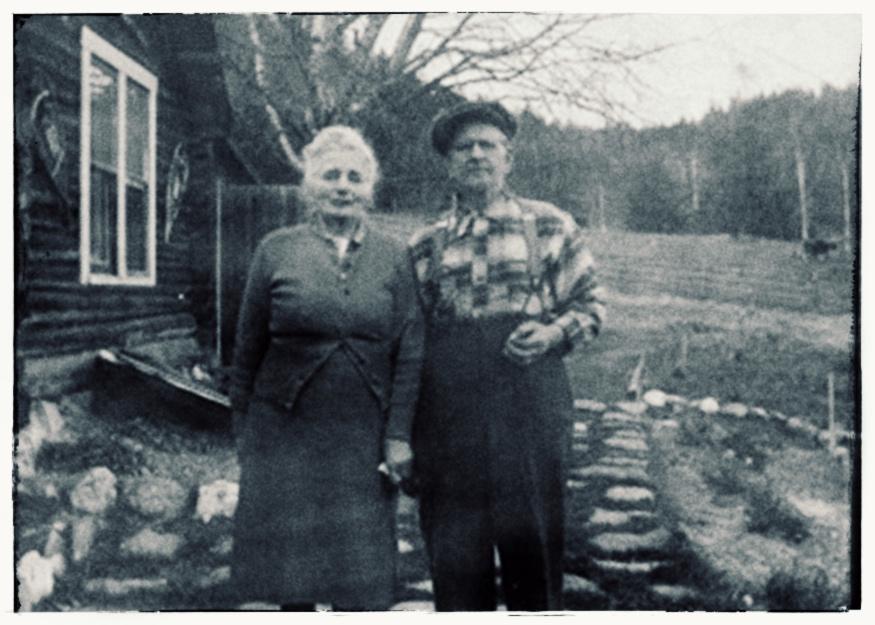 Caroline & Charles Fleur de Lys
